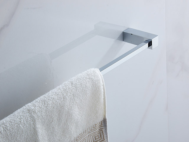 10624 single towel bar brass